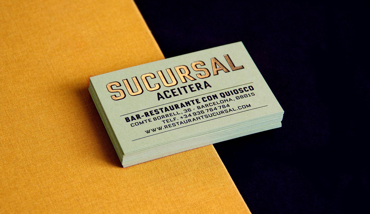 Tarjetas con dorado para el restaurante Sucursal Aceitera - dosgrapas | Estudio de diseño gráfico en Barcelona